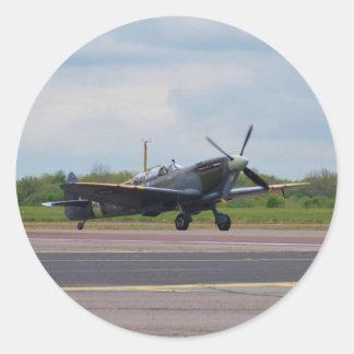 Spitfire en la pista pegatina redonda