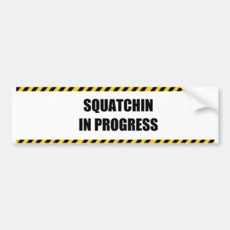 Squatchin en curso pegatina para coche
