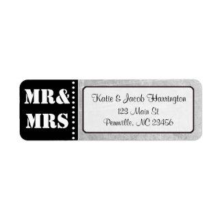 Sr. y señora Black y etiquetas grises del remite