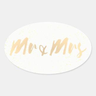 Sr. y señora de la caligrafía del oro pegatina ovalada