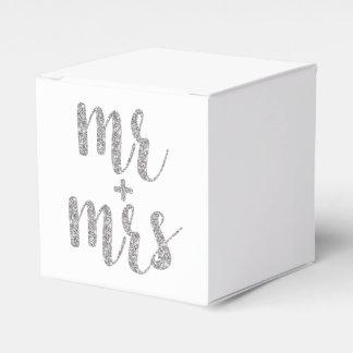 Sr. y señora de plata cajas del favor, brillo