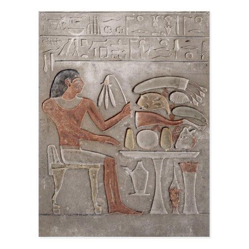 Stela que representa el difunto postal