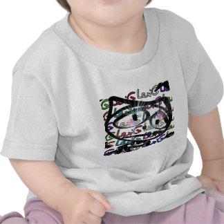 Stitchlip en el modelo de Levi G. Tag White en COL Camisetas