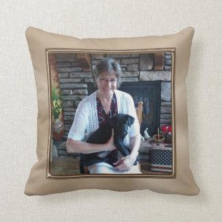 Su almohada personalizada 2 fotos aquí