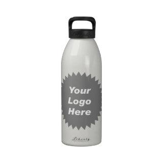 Su del negocio del logotipo promo aquí botellas de beber