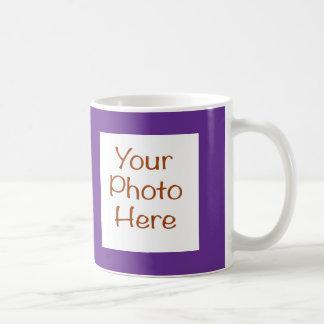 Su foto en la taza púrpura