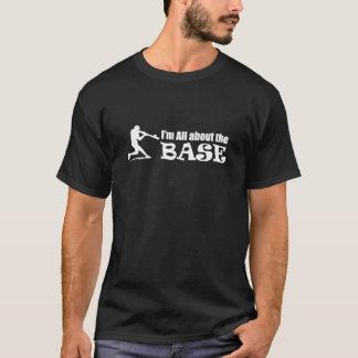 Su todo alrededor la BASE - camiseta del béisbol