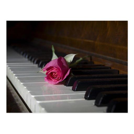 Subió en piano postal