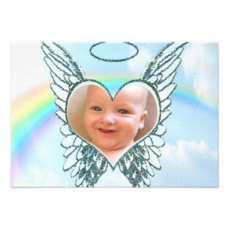 Substituya las alas y el corazón del ángel de la f comunicados personalizados