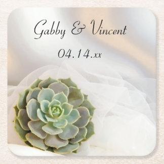 Succulent del verde en el boda blanco posavasos de papel cuadrado