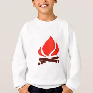 Sudadera fuego caliente en chimenea