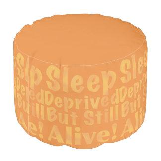 Sueño privado pero aún vivo en amarillo puf