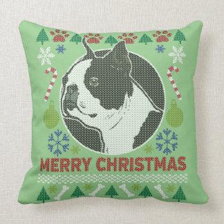 Suéter feo de las Felices Navidad de Boston Cojín Decorativo