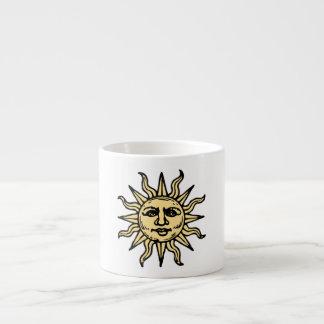 Sun hace frente taza espresso