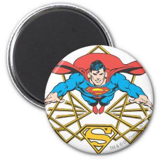 Superhombre con el logotipo imán