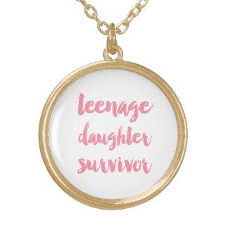 Superviviente de la hija adolescente - rosa colgante redondo