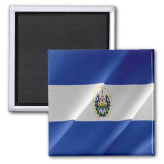 SV - El Salvador - el agitar de la bandera Imán Cuadrado
