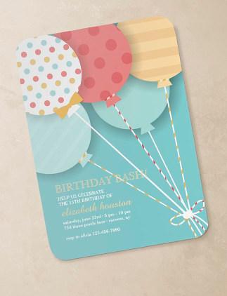 Invitaciones de cumpleaños personalizadas en Zazzle
