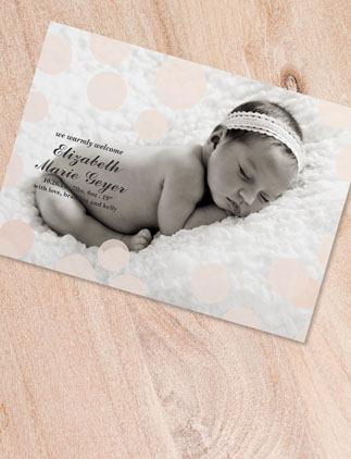 Crea tus propios anuncios de nacimiento y personalízalas con tus colores, diseños y estilos favoritos.