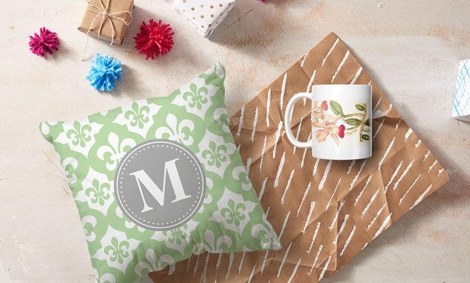¡Descubre y personaliza el regalo perfecto para ella con las ideas para regalos de Zazzle!