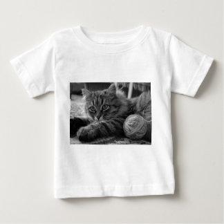 T - a shirt bebés está cortado 6 meses yo le gusta camiseta