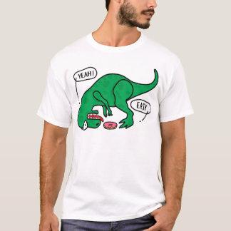 T-REX que intenta comer una camiseta de los