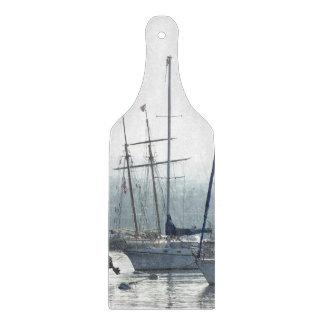 Tabla De Cortar Barcos de los veleros del puerto que navegan el