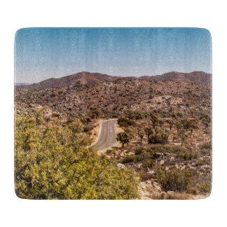 Tabla De Cortar Camino solo del desierto de la yuca