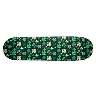 Tabla De Skate Modelo afortunado verde oscuro del trébol de St