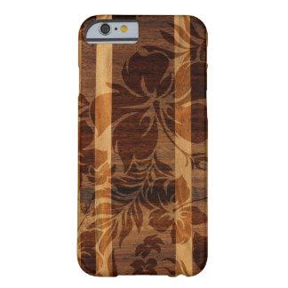 Tabla hawaiana de madera de la playa de Keokea Funda De iPhone 6 Barely There