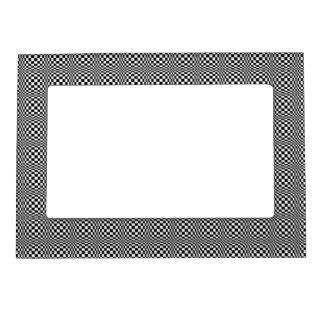 Tablero de damas blanco y negro foto de imanes