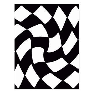 Tablero de damas deformado blanco y negro postal