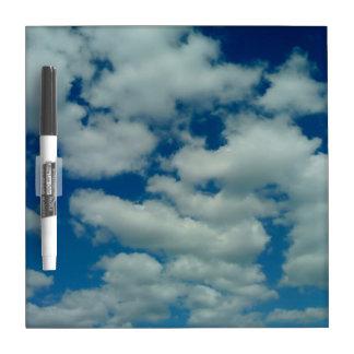 Tablero seco del borrado de la nube