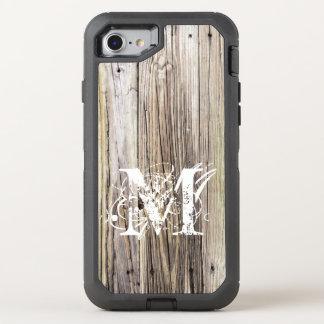 Tableros de madera rústicos con el monograma funda OtterBox defender para iPhone 7