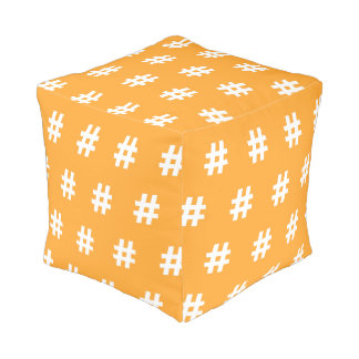 Taburete cubicado naranja de Hipstar Hashtag Pouf