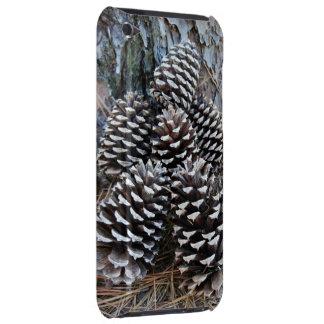 Tacto de iPod de la casamata de los conos del pino Barely There iPod Protector