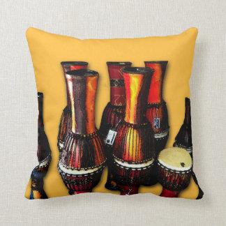 Tambores africanos cojín decorativo