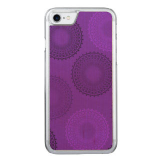 Tapetito violeta del cordón del Winterberry Funda Para iPhone 8/7 De Carved