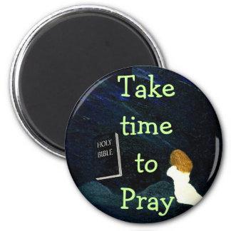 Tarde el tiempo para rogar el imán