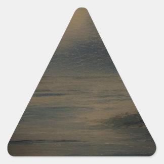 tarde perezosa en la playa pegatina triangular