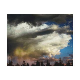 Tarde tempestuosa en las colinas impresión en lienzo