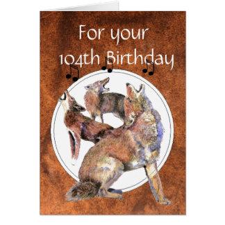 Tarjeta 104o coyote divertido del grito del cumpleaños