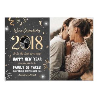 Tarjeta 2018 de la invitación del embarazo del Año