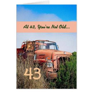 Tarjeta 43.o cumpleaños feliz DIVERTIDO - camión del