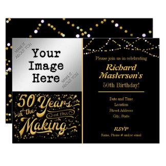 Tarjeta 50 años en el 50.o negro y oro de fabricación del