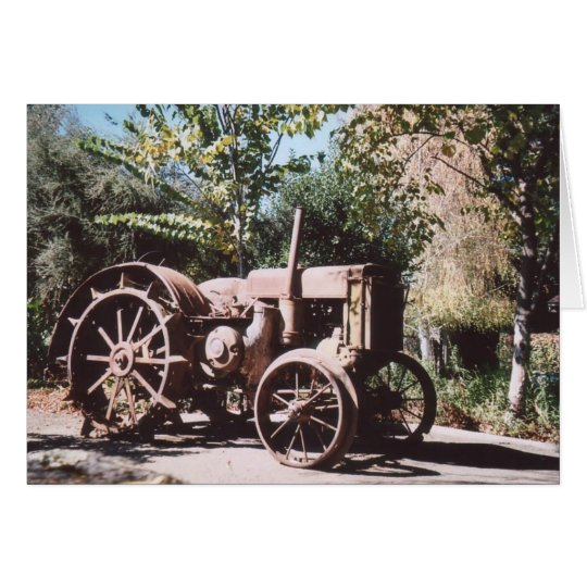 Tarjeta 75. Tractor oxidado, California