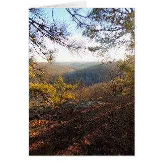 Tarjeta Alcance para la luz, vista de las colinas