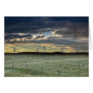 Tarjeta Antílope de Pronghorn con los molinoes de viento