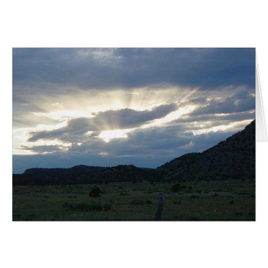 Tarjeta ascendente de los rayos de sol