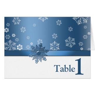 Tarjeta azul y blanca del invierno del copo de